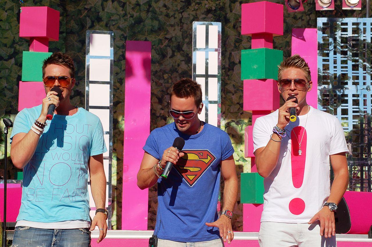 Svensk popgrupp där alla varit deltagare i Idol